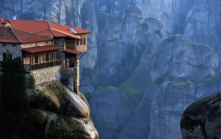 Meteora Mobili ~ Meteora greece. follow #tianyaoinformation to achieve a beautiful