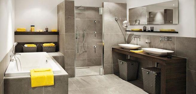 Badkamer Caprera bij Brugman, gehele meubel rechts met wasbakken en ...