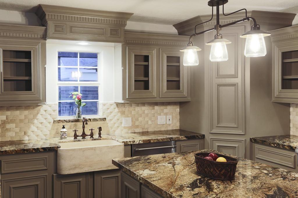 Custom Built Solid Wood Cabinets Travertine Backsplash With A Basket Weave Pattern Love This Kitchen