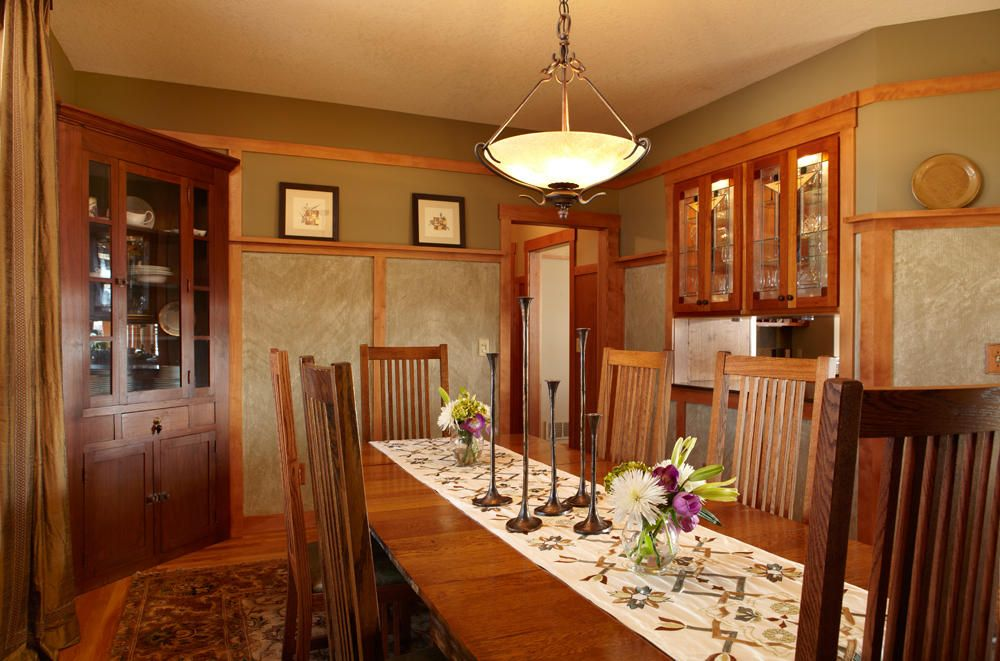Craftsman Influence Is Most Apparent In The Cozy Dining Room, Where Brown  Introduced Silk Drapery And A Custom Table Runner. Wainscot Panels Are  Paint ...