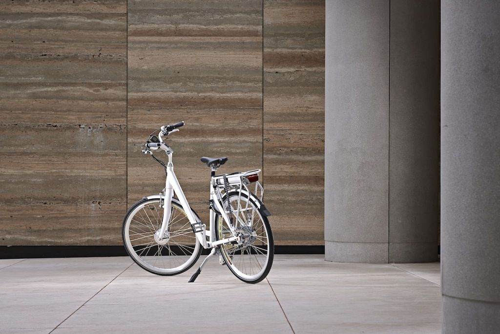 The Discovery – electric low-step frame bicycle