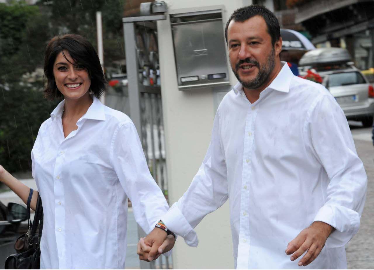 Nessuna Crisi Tra Elisa Isoardi E Matteo Salvini La Conduttrice Rai E Il Ministro Dell Interno Si Preparano A Nuovi Progetti Sentimentali Hann Moda Convivenza