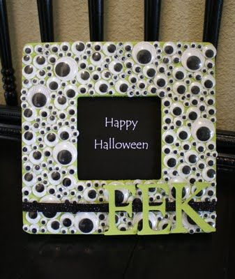 Super cute Googly Eye Halloween Frame...and it's a DIY project! $1 frame from Michaels, some green acrylic paint, glue, EEK letters, ribbon, and lots and lots of googly eyes