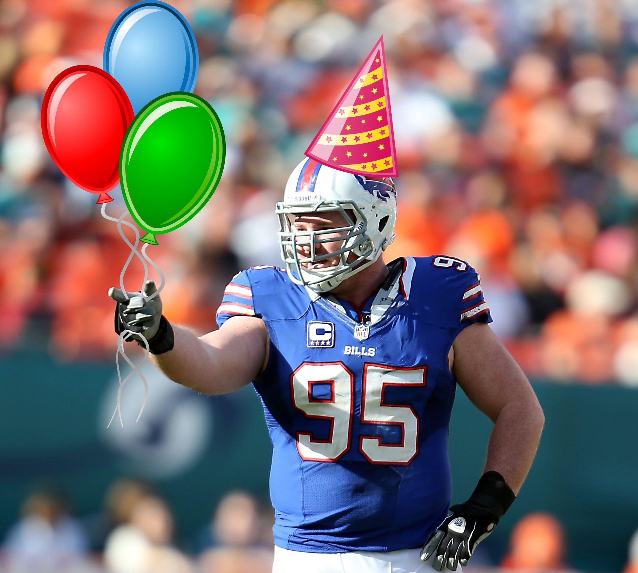 Happy 30th birthday to Bills DE Kyle Williams! Happy