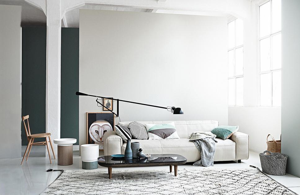 Natürlich einrichten und dekorieren Farbe im Spiel - aber dosiert - wohnzimmer modern dekorieren