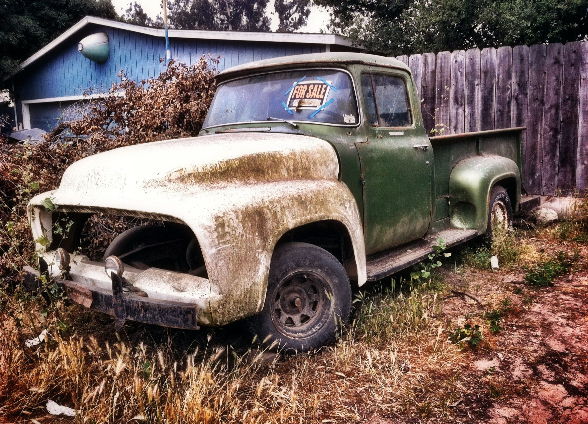 Old truck and a haiku