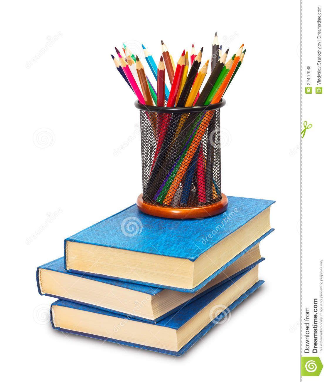 Lápices y libros.