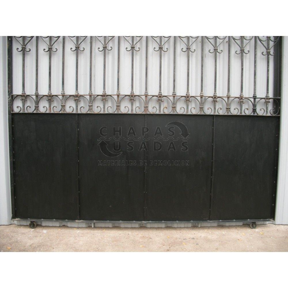 Antiguo port n de garaje corredizo de hierro forjado for Modelos de portones de hierro y madera