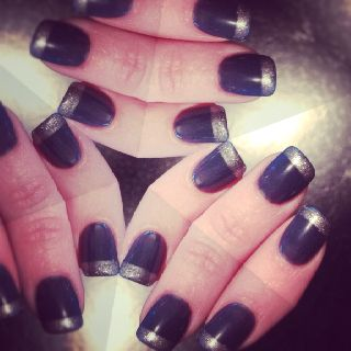 My silver tipped dark teal #nails.
