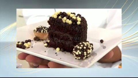 Anote todas as dicas do chef para o preparo do bolo chiffon de chocolate!