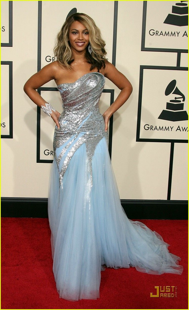 Beyonce, 2008 Grammys. Still in love with this dress. She looks ...