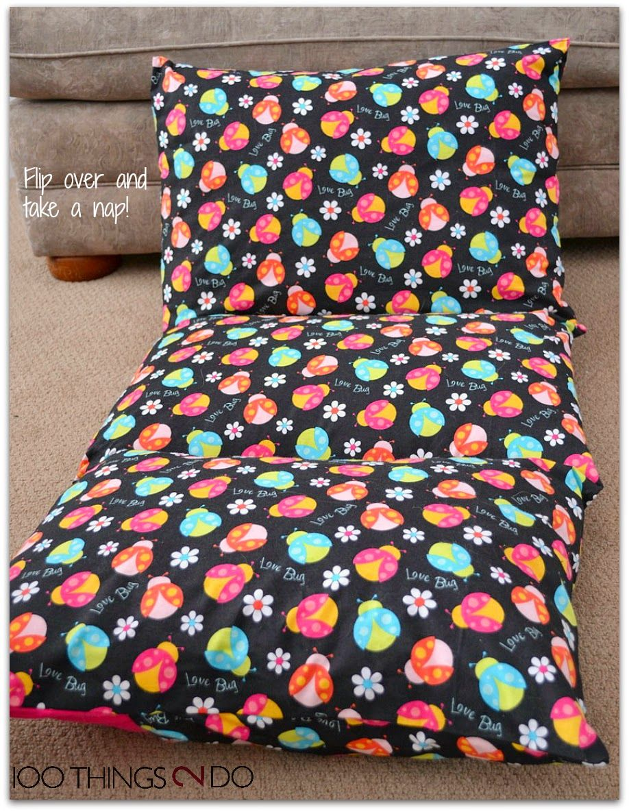 photo tutorial on how to make pillow mattresses / pillow beds