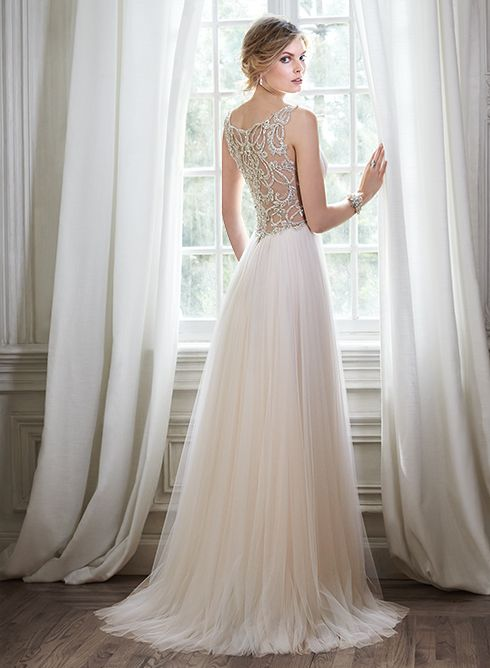 Stunning tulle sheath wedding dress with plunging neckline and sparkling  Swarovski crystal waist 2018ea2c7502