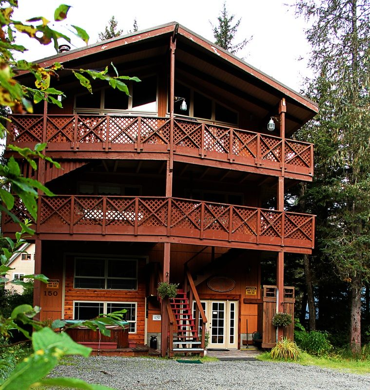Chateau Cervin-Alyeska - Accommodations - Girdwood - Vacation - Rentals - Cabins - Lodging - Alyeska Accommodations  Nightly Vacation Rentals  Girdwood, Alaska 907-783-2000