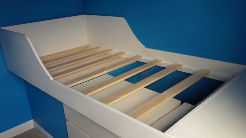 Build bed over stair box google search bedroom design for Stair box in bedroom ideas