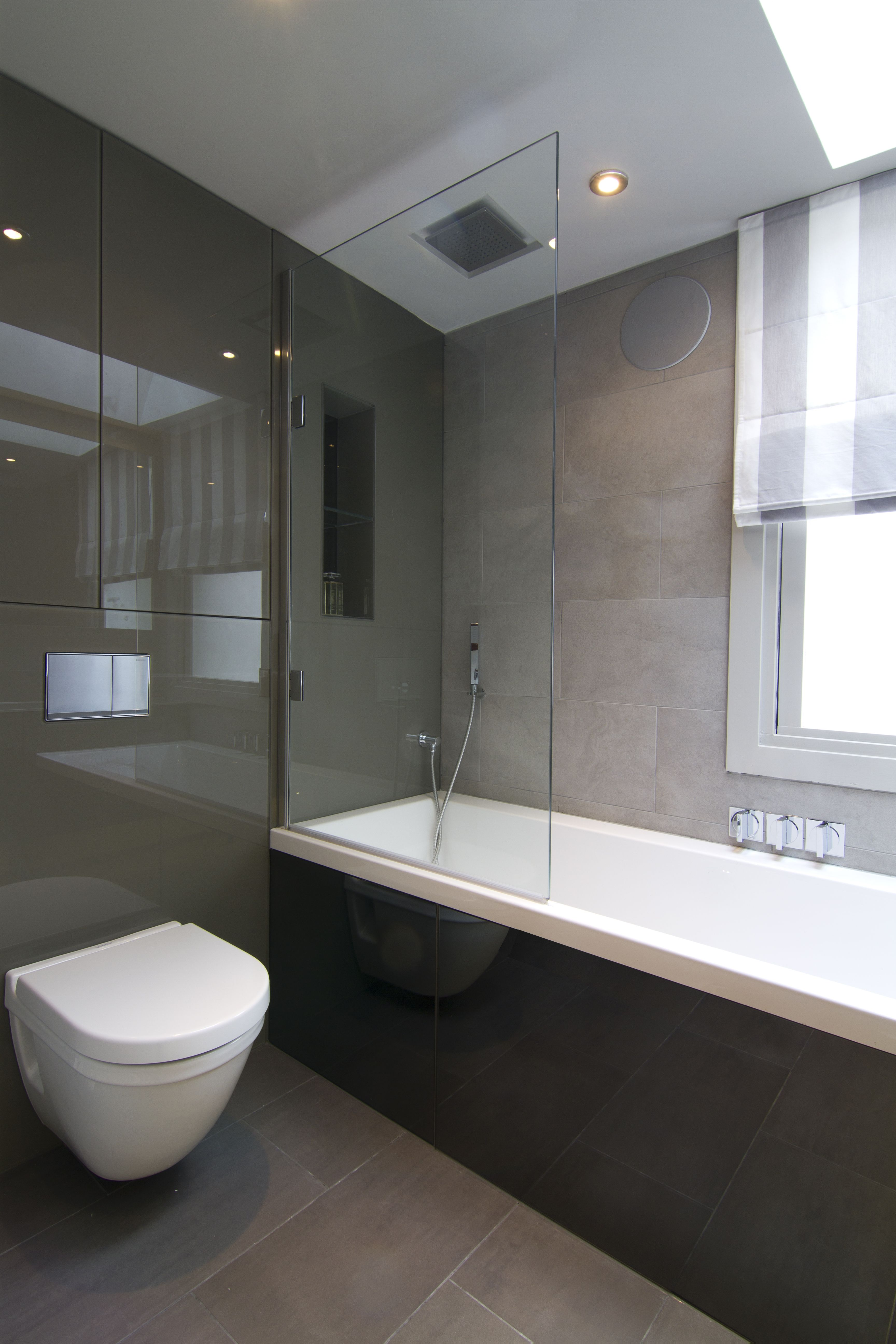 Compact Bathroom, Fulham, London. Designed by Melanie Williams ...