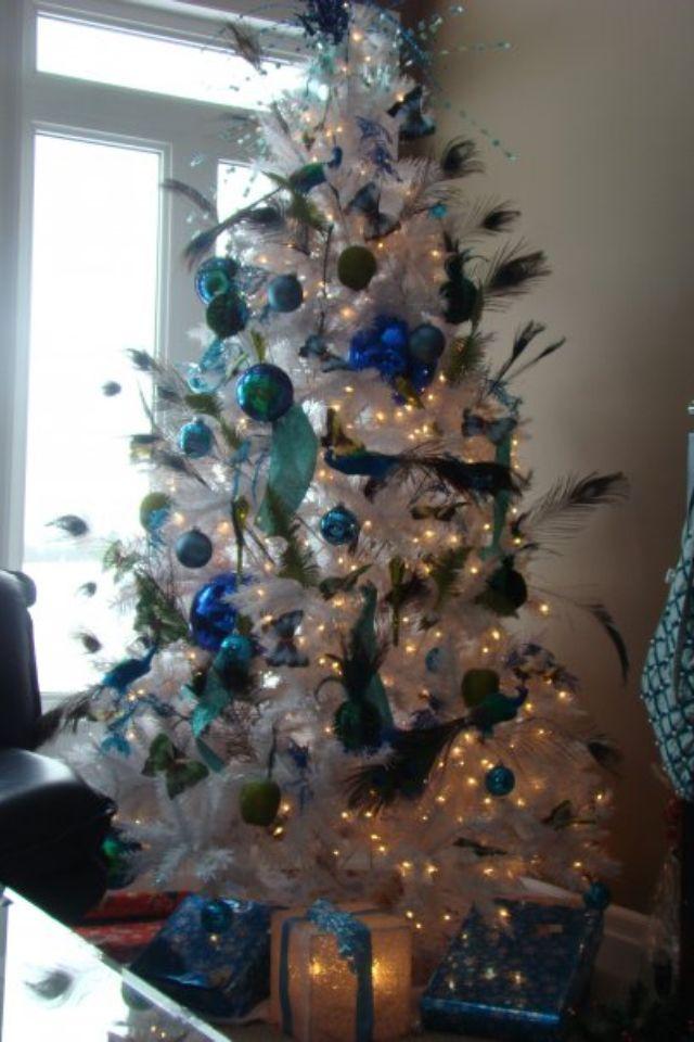 3e6321825815b5e6d055b3820d09a2a2jpg 640×960 pixels Christmas - peacock christmas decorations