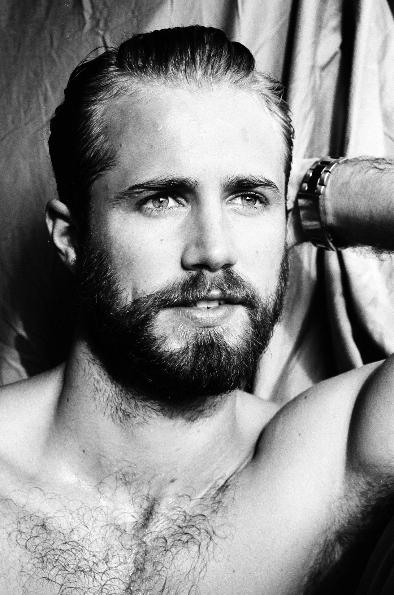 Haircut for small face men tom bull  what a face   pinterest  tom bull toms and sexy beard