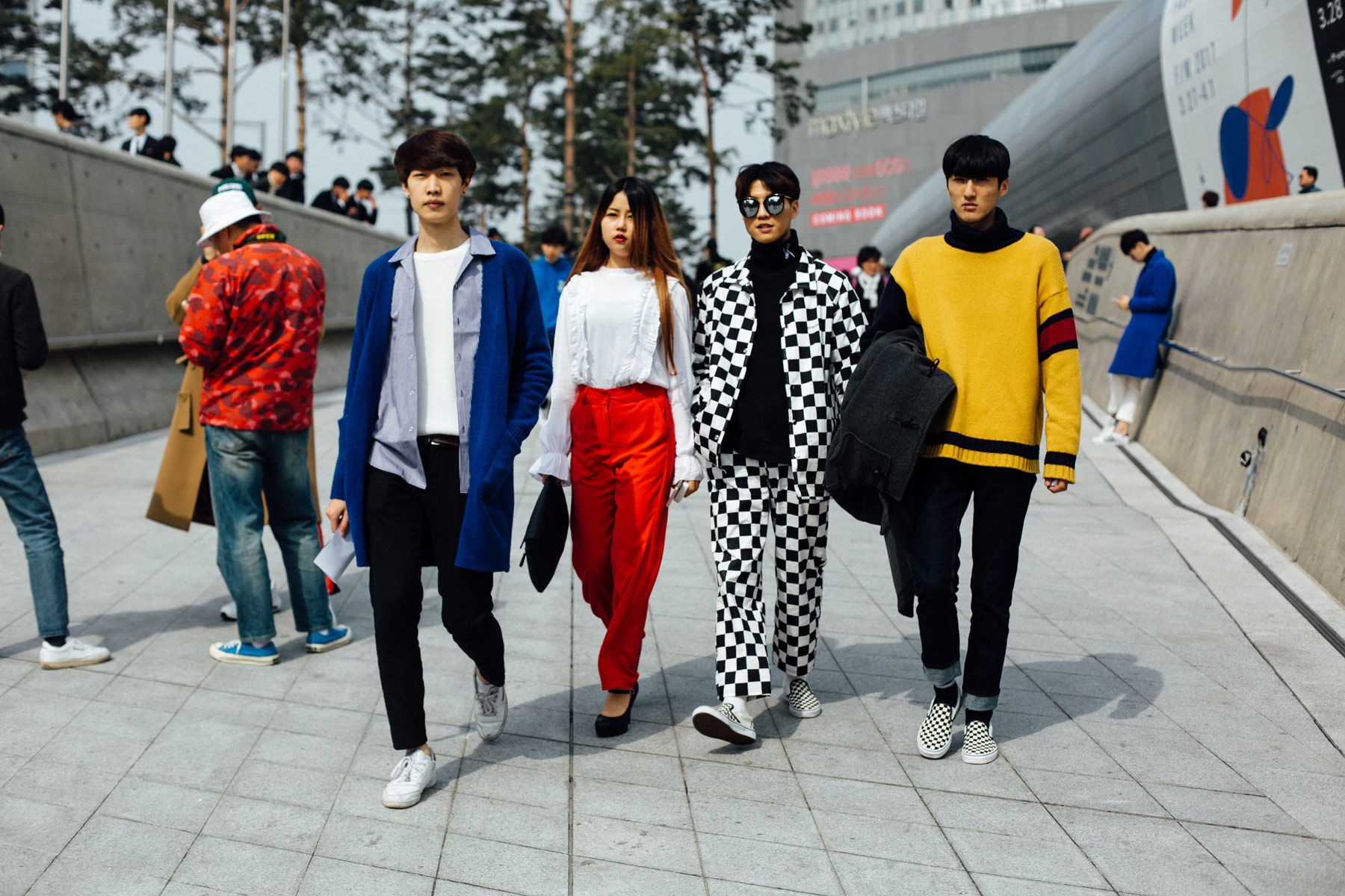 Street style Seúl Fashion Week, marzo de 2017 © Emily Malan