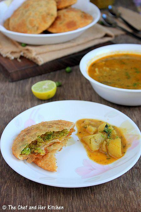the chef and her kitchen matar kachori green peas kachori and alu sabzi delhi style in 2020 on hebbar s kitchen kachori id=41173