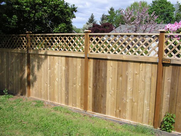 Lattice Top Fence Fence With Lattice Top Backyard Landscaping Plans Fence Design