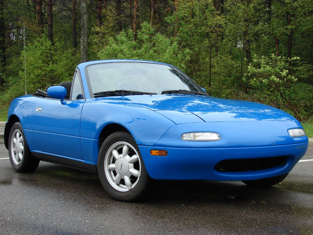 I Love This Car If I Hit The Lotto I Am Going To Get One Lol 1990 Mazda Miata Mx5 Mariner Blue Mazda Miata Miata Mx5 Mazda Mx5 Miata
