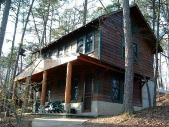 Five Points Lake Hamilton Cabin, Hot Springs Arkansas   Pet Friendly. Good  To Remember When We Go Offroading In The Area.