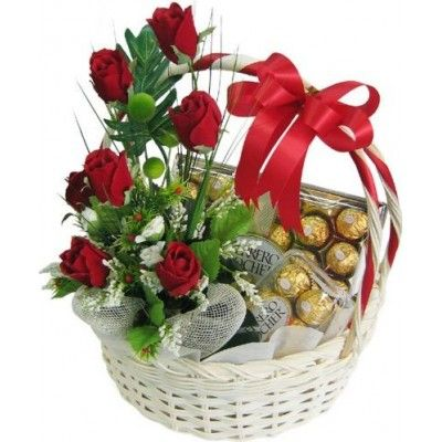 Valentine S Gift Basket Thank You For Showing Me Every Day Of The Year What True Love Is Valentines Flowers Valentine Flower Arrangements Flower Arrangements