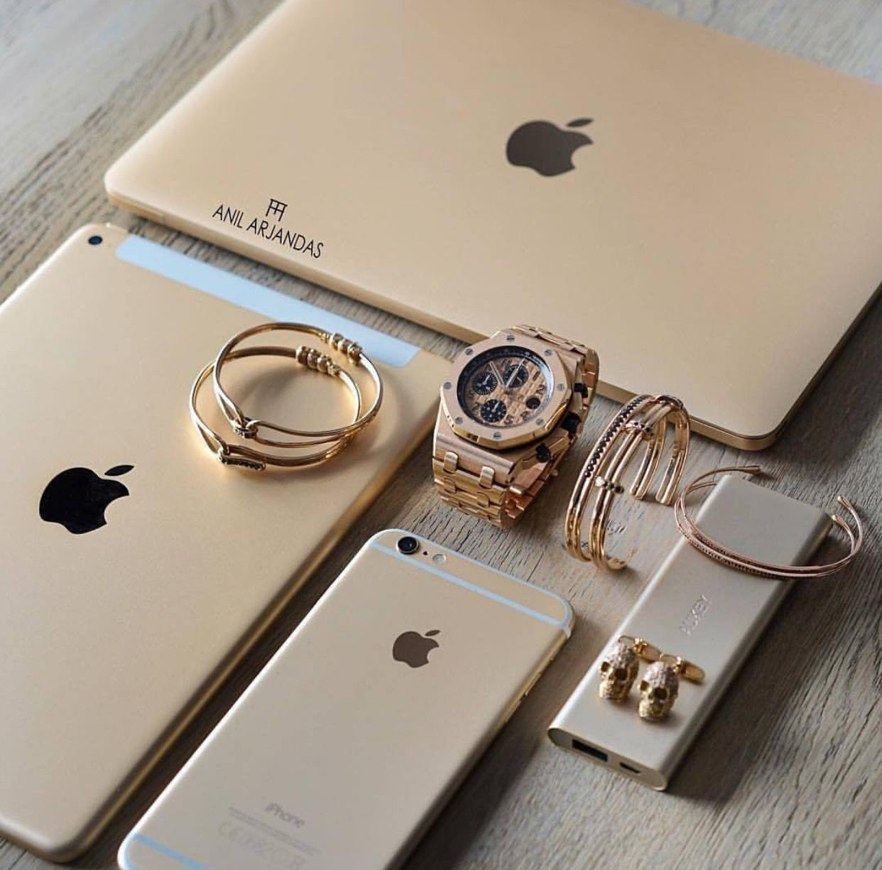 (Tech Aesthetic Life) Iphone accessories, Apple phone