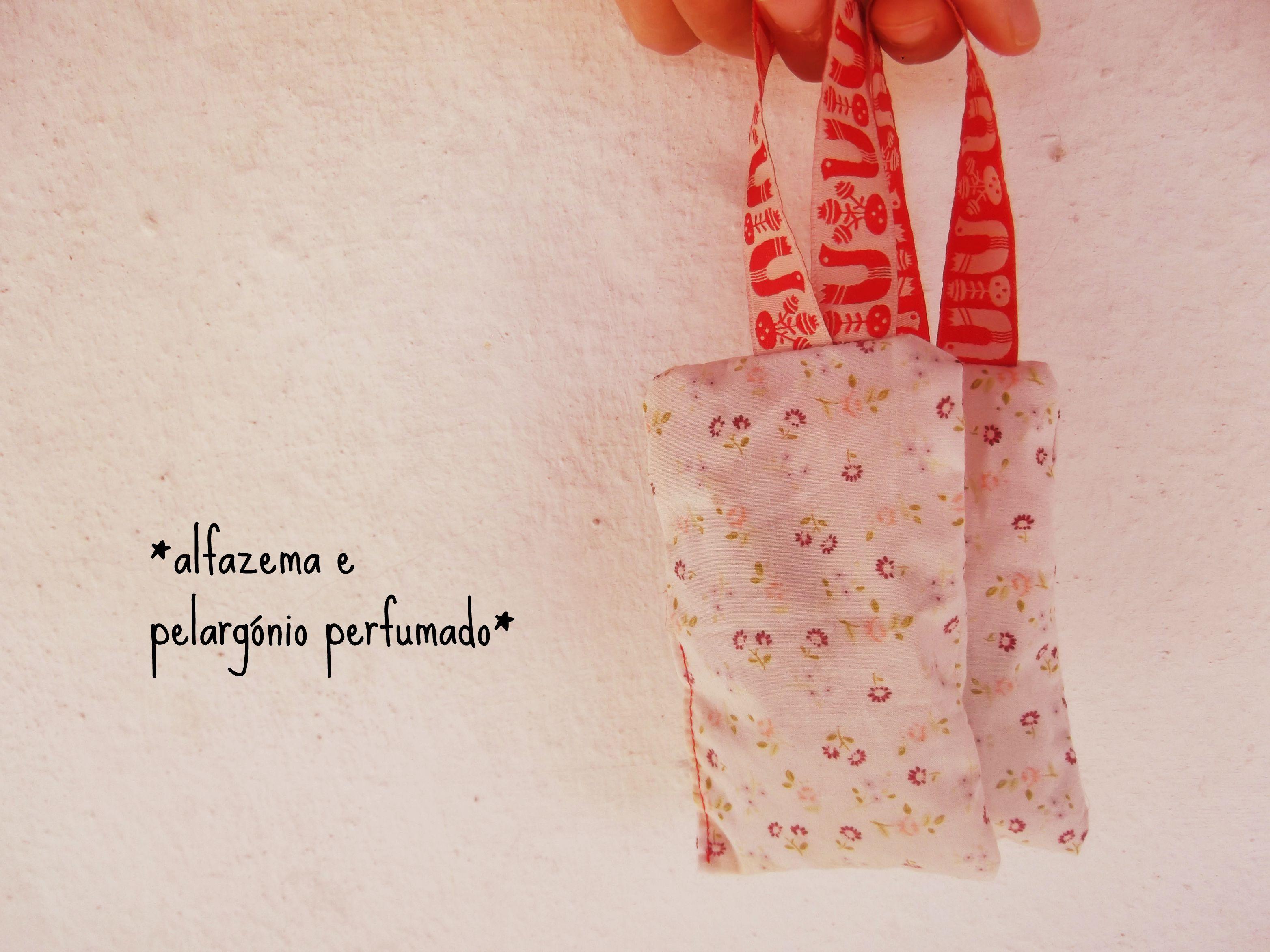 *lavender filled little cotton bags* saquinhos de algodão recheados de alfazema #jardim #aromáticas