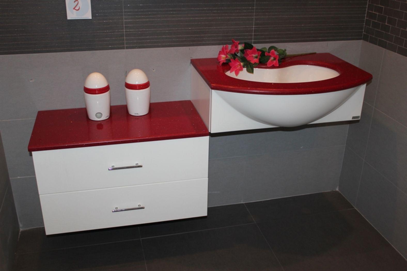 Publicdiscount stock bagno bianco e rosso