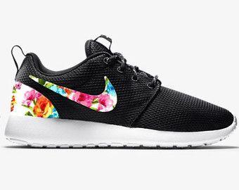 ... Items similar to Nike Roshe Run Floral - Floral Nike Roshe - Custom Nike  Black Roshe ... 67adb3fd76