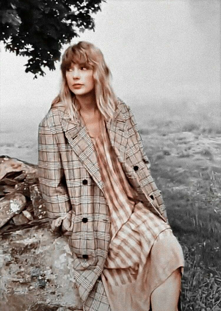 Taylor swift folklore edit color in 2020 Taylor swift