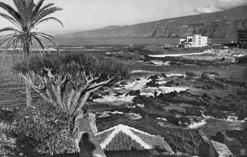 San Telmo desde el extinto convento Sto. Domingo... años 50-60? Al fondo piscina S. Telmo... canarizame. com.