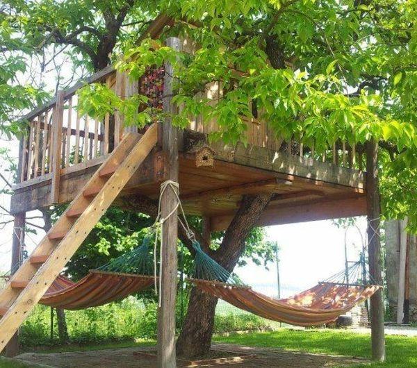 super-tolles-kinderhaus-mit-hängematten-zum-spaß #backyardmakeover