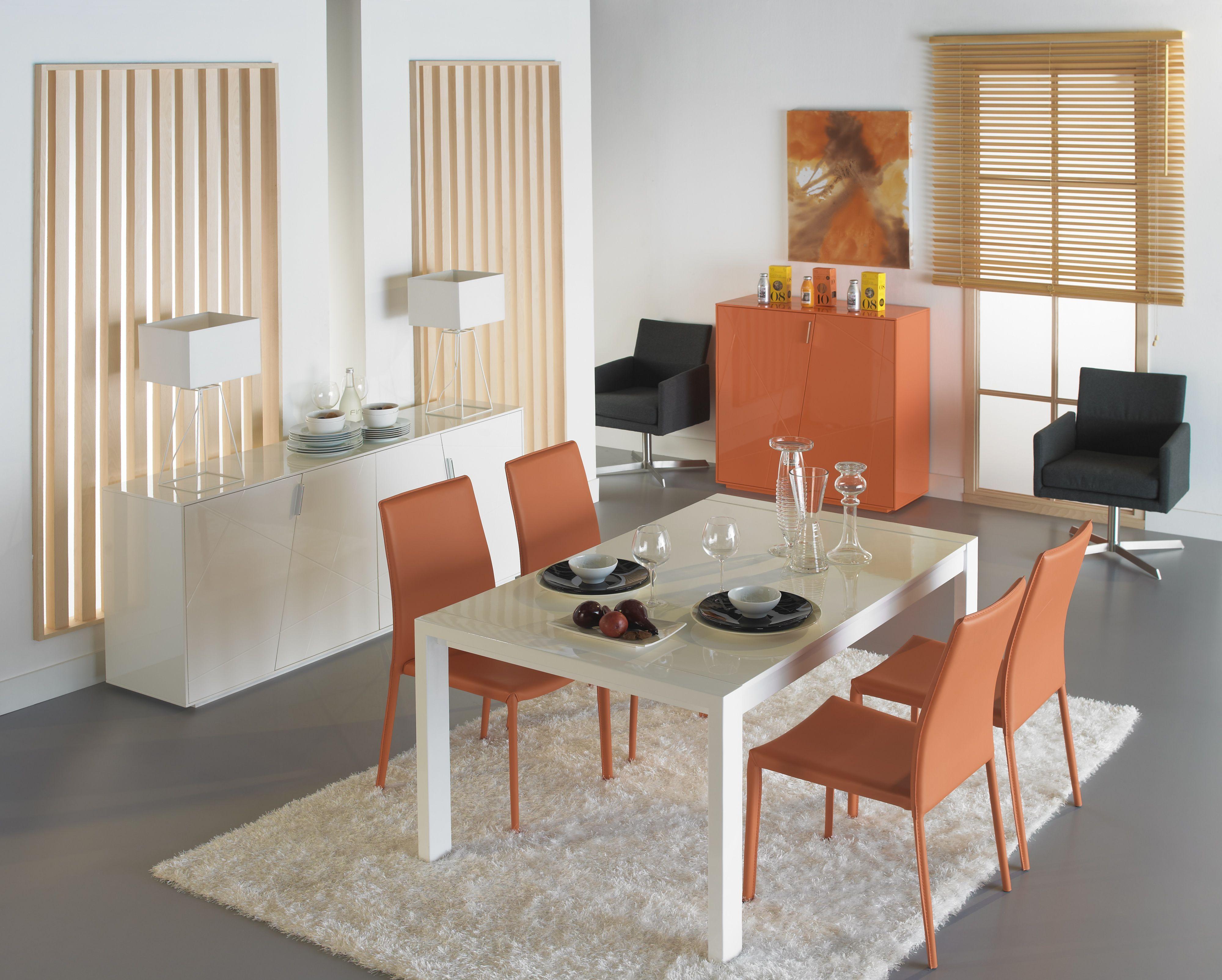 Moderna composici n en blanco y naranja muebles comedor for Outlet muebles hogar y decoracion madrid