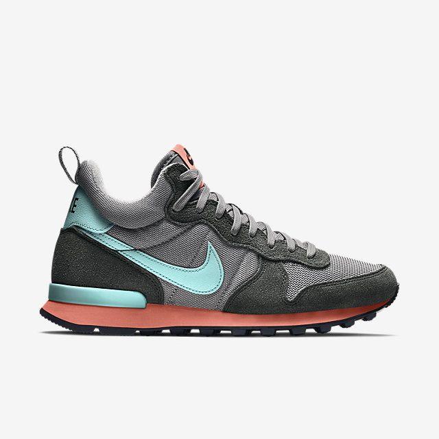 Nike Internationalist Mid Women's Shoe. Nike Store