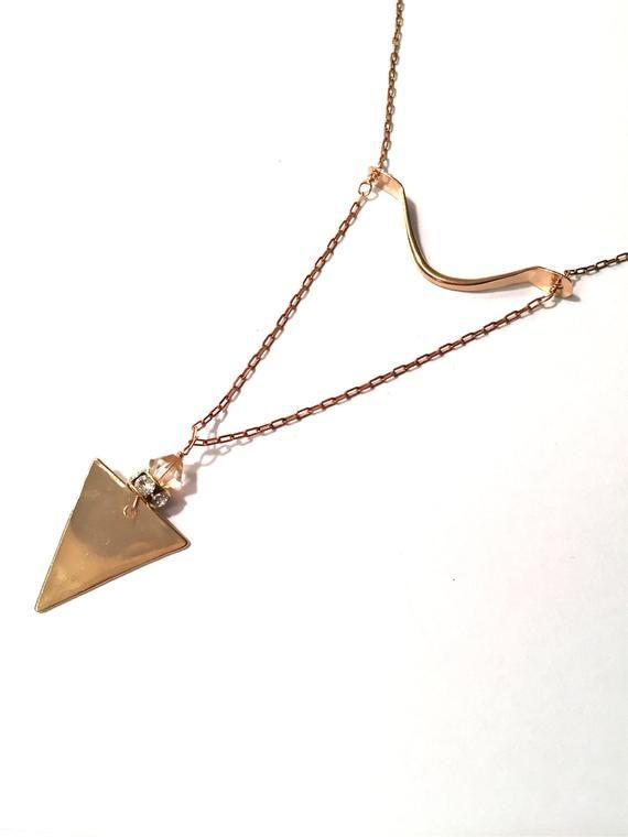Photo of Die goldene Astrologie-Halskette, lange goldene Halskette, Dreieck-Halskette, coole Halskette, lange goldene Halskette