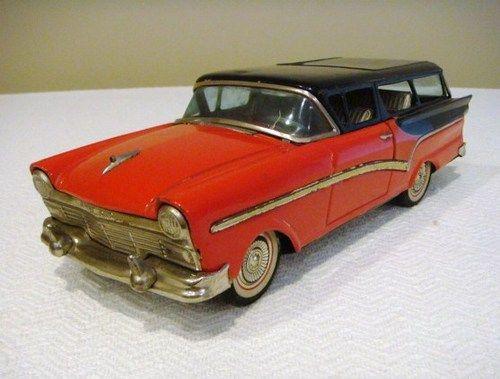 Early Bandai Japan Tin Litho Friction 1957 Ford Stationwagon Car