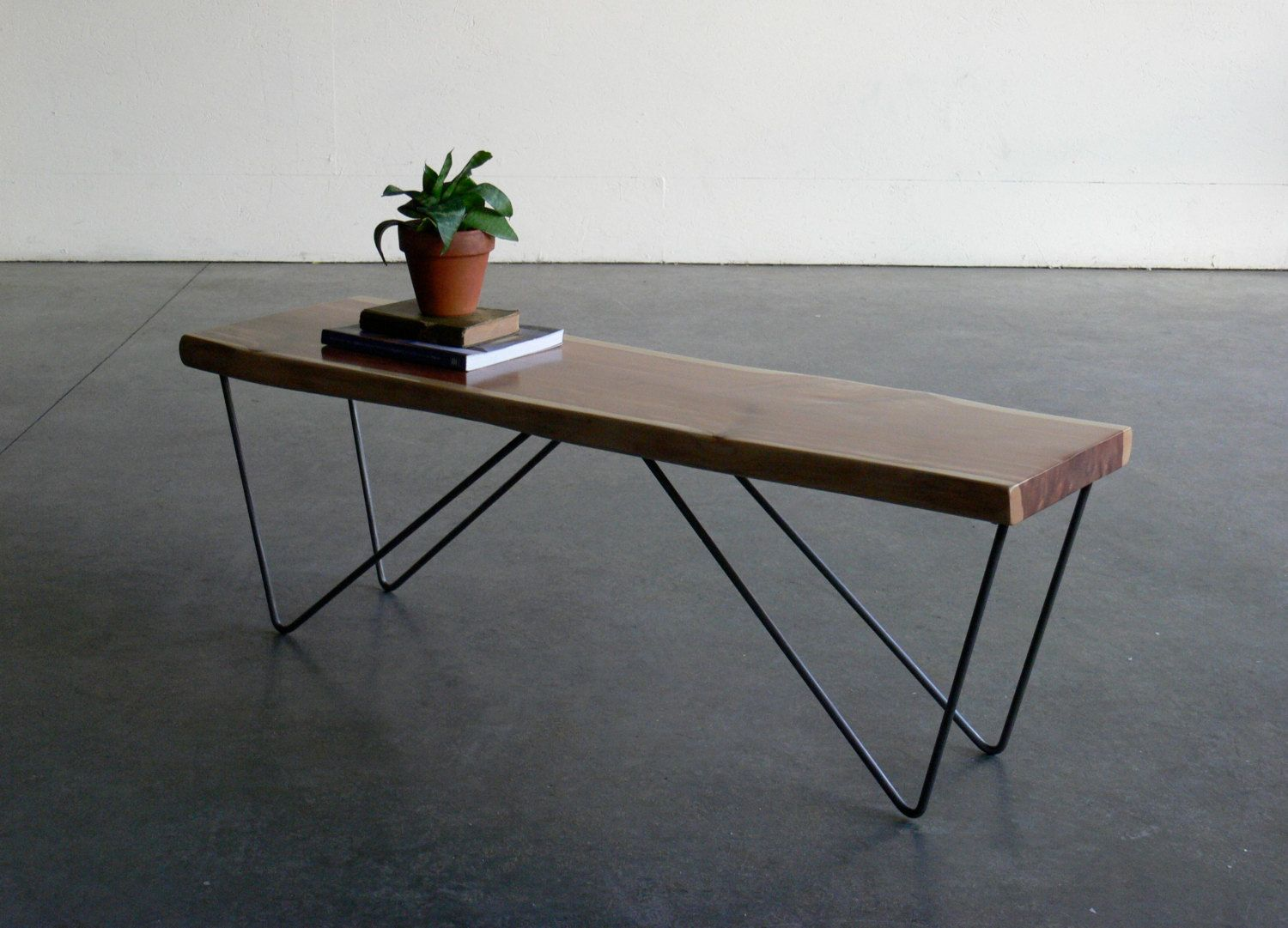 Wire Table With Wheels - WIRE Center •