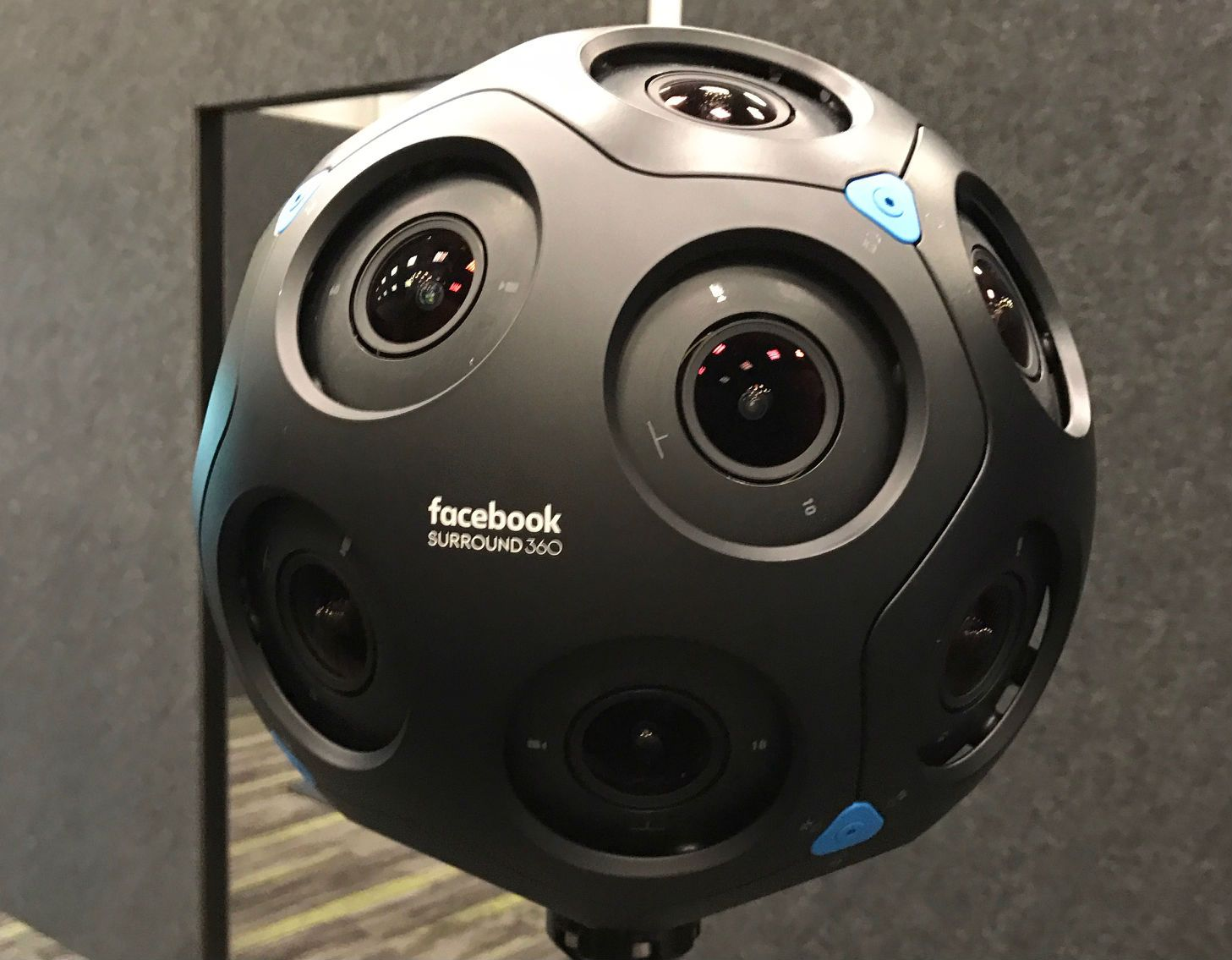 8d565ea8d88 Hands-On  Facebook s New 24 Lens Camera Turns Real Life Into VR ...