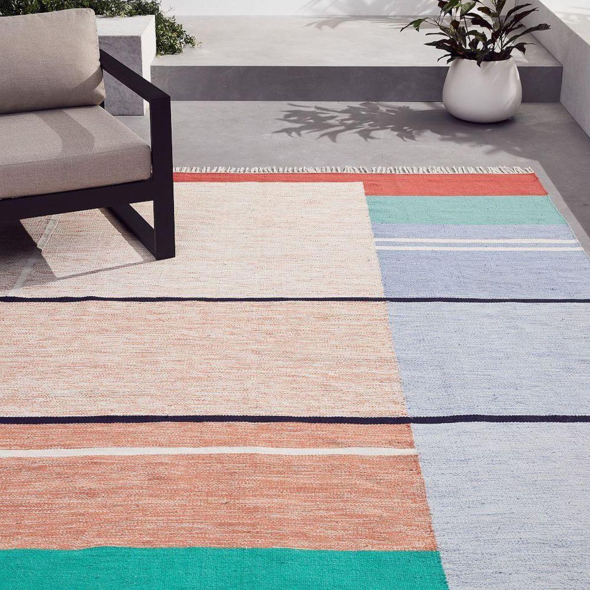 Offset Ombre Indoor Outdoor Rug In 2020 Indoor Outdoor Rugs Outdoor Rugs Patio Rugs