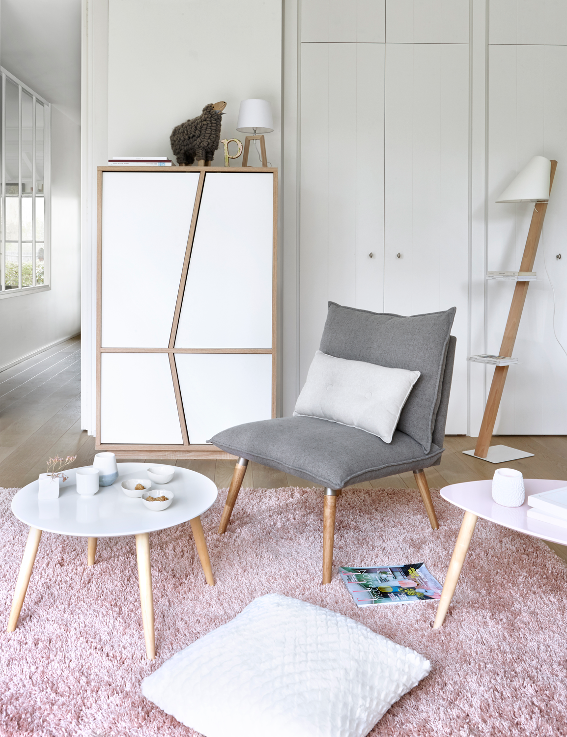 Salon Scandinave Rose Et Blanc   BUT