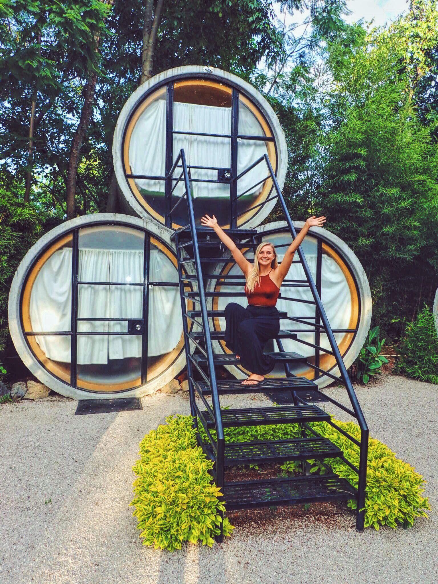 Mexican Hobbiton? Sleeping in a tube at Tubohotel! | Julio, Cuartos