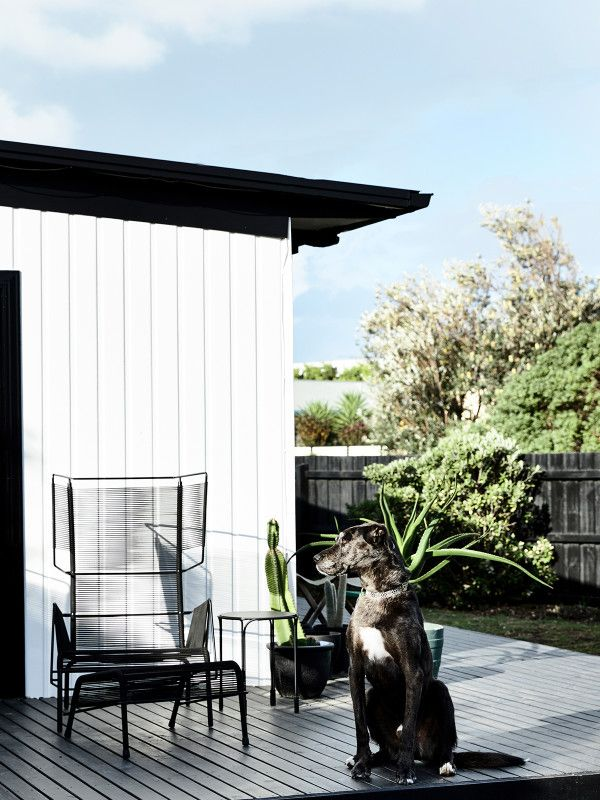 simone and rhys haag dream beach houseskinfolkdesign filesmost populardesign blogsmelbourneweekenderoutdoor - Most Popular Design Blogs