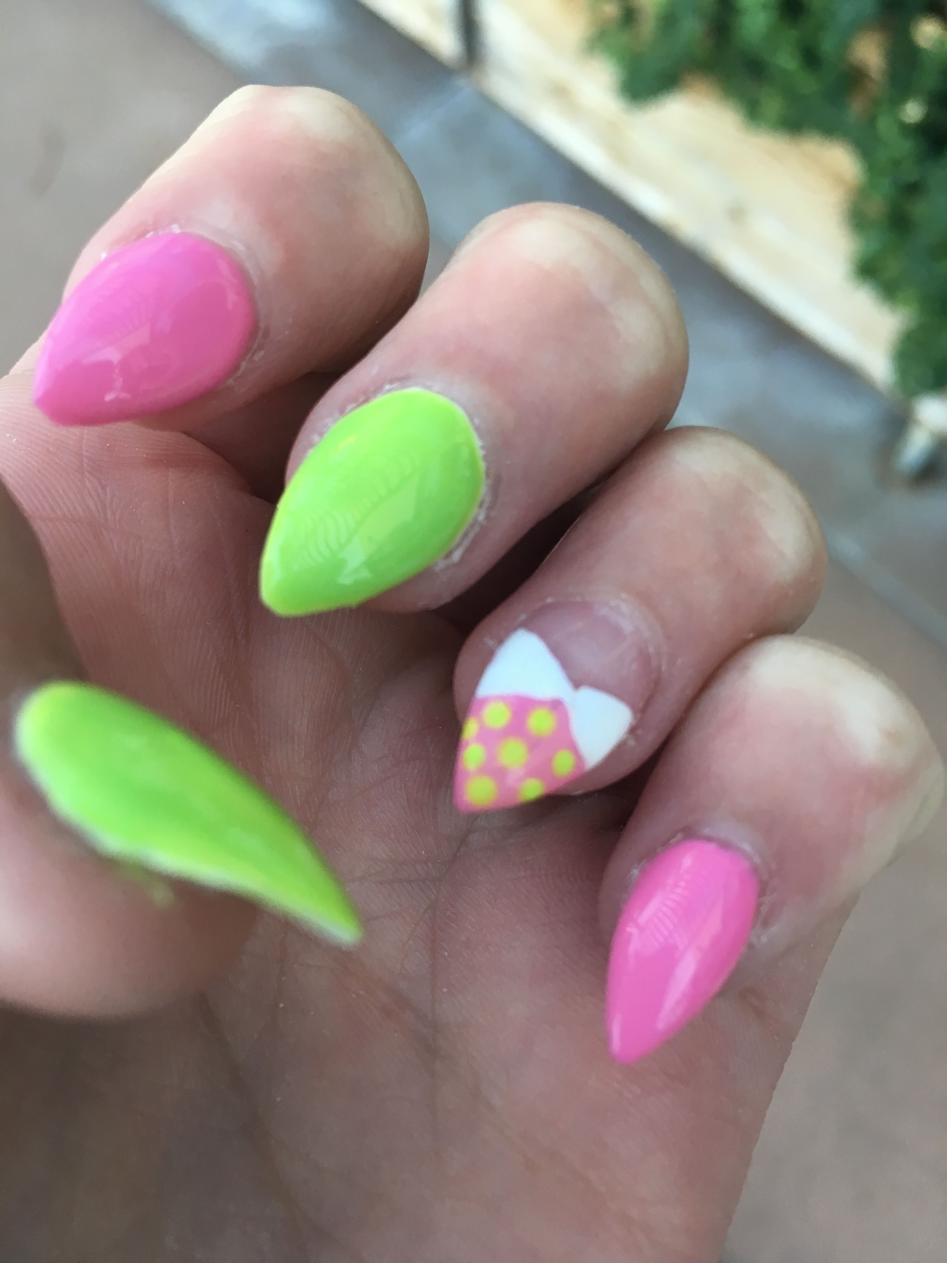 Pointy acrylic nails (With images) | Pointy acrylic nails ...