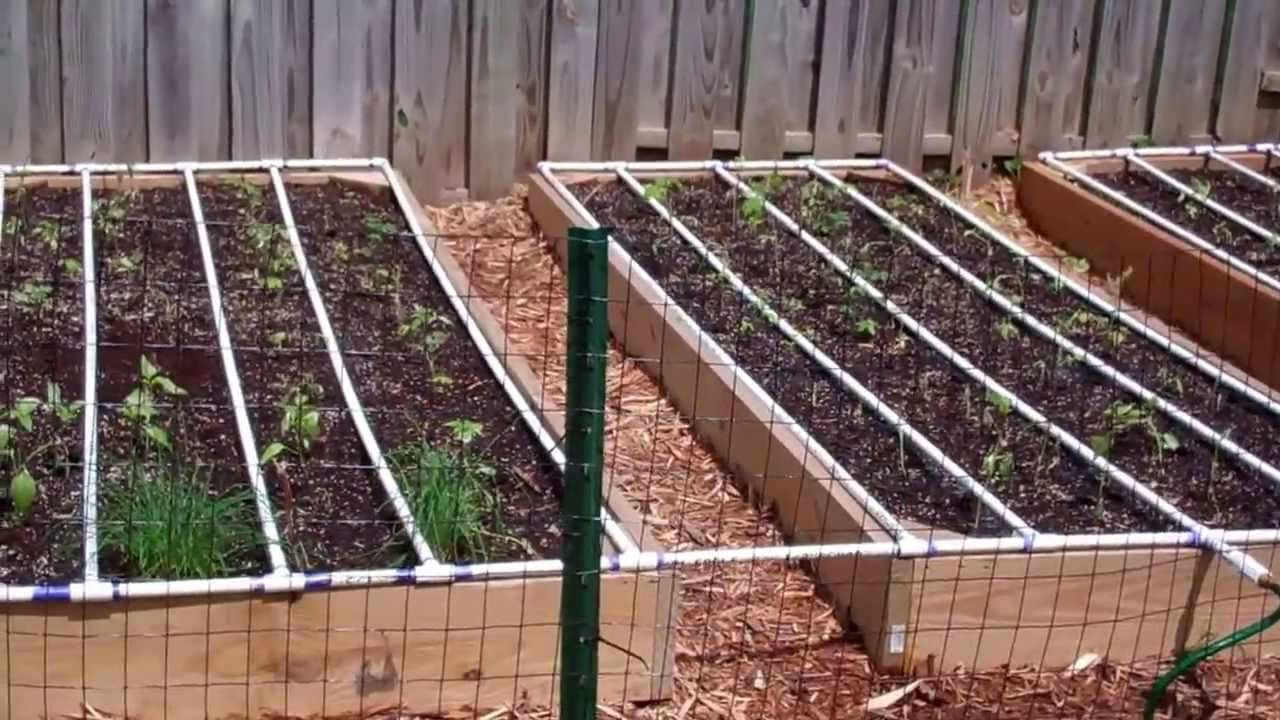 Self Watering Square Foot Garden Diy With Images 400 x 300