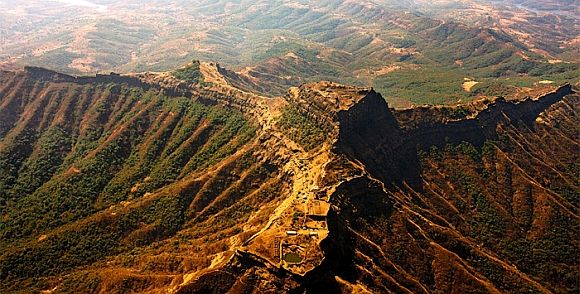 Must See Uddhav Thackeray S Pics Of Maharashtra Forts Fort Amazing India Nature Pictures