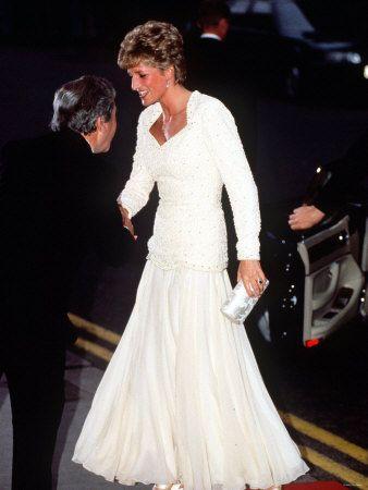 Diana In A Beautiful White Dress No Info Regarding The Setting