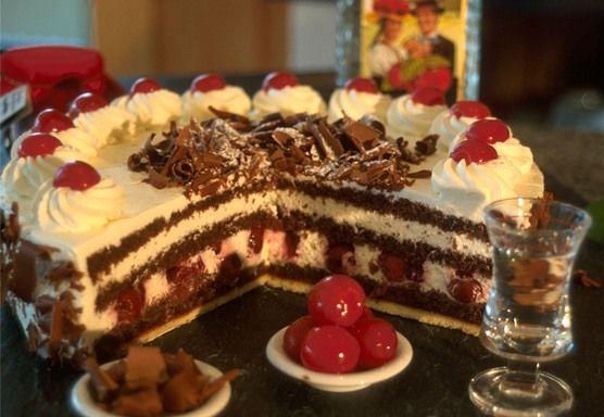 gâteau forêt-noire   la forêt-noire allemagne   pinterest   gâteau